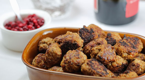 A dish of freshly cooked Swedish meatballs